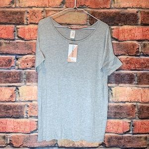 Honey & Lace-  Gray short wing sleeve loose fit